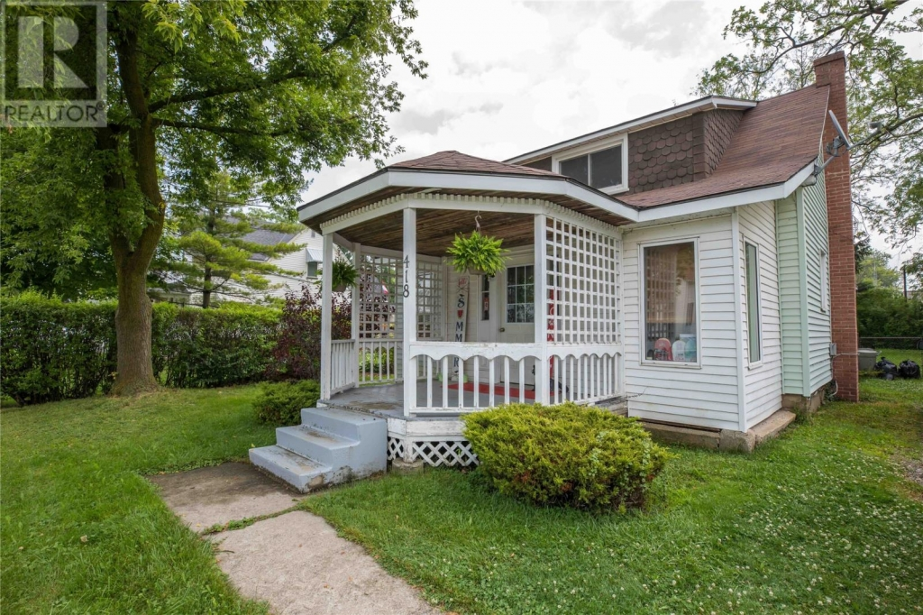 Real Estate Listing   418 MAUDE STREET Petrolia
