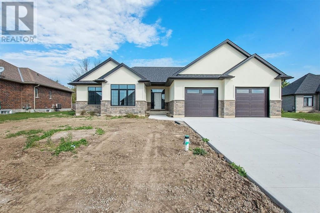 Real Estate Listing   3971 CULLEN DRIVE Plympton-Wyoming