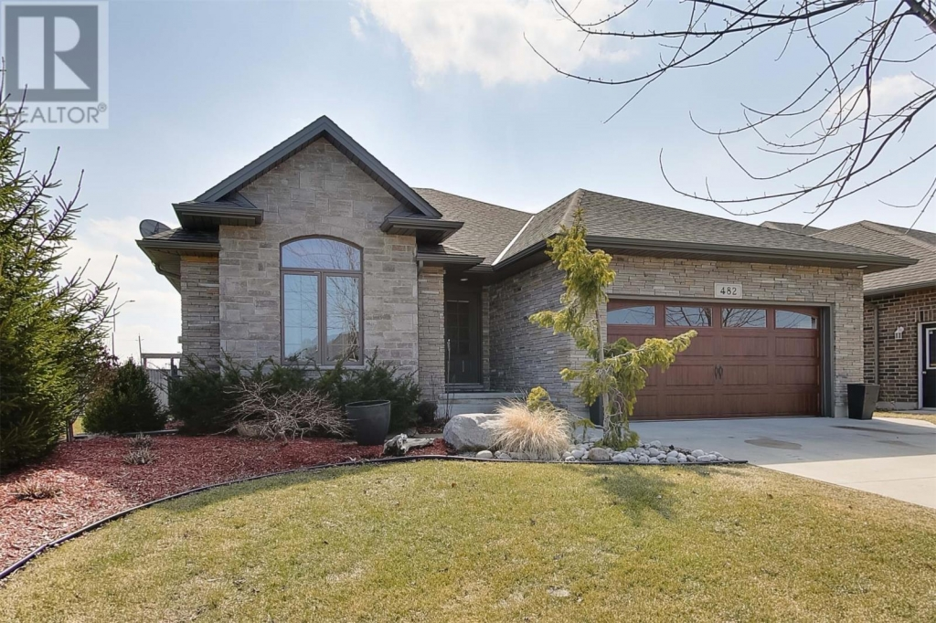 Real Estate Listing   482 AUTUMN BREEZE Sarnia
